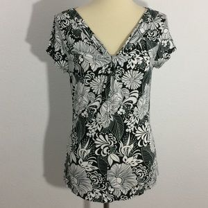 Ann Taylor Short Sleeve Graphic Blouse